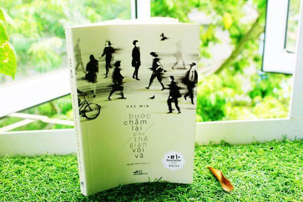 Review sách: Bước chậm lại giữa thế gian vội vã