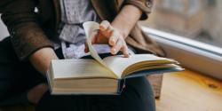 Ý nghĩa của thói quen đọc sách mang lại trong cuộc sống